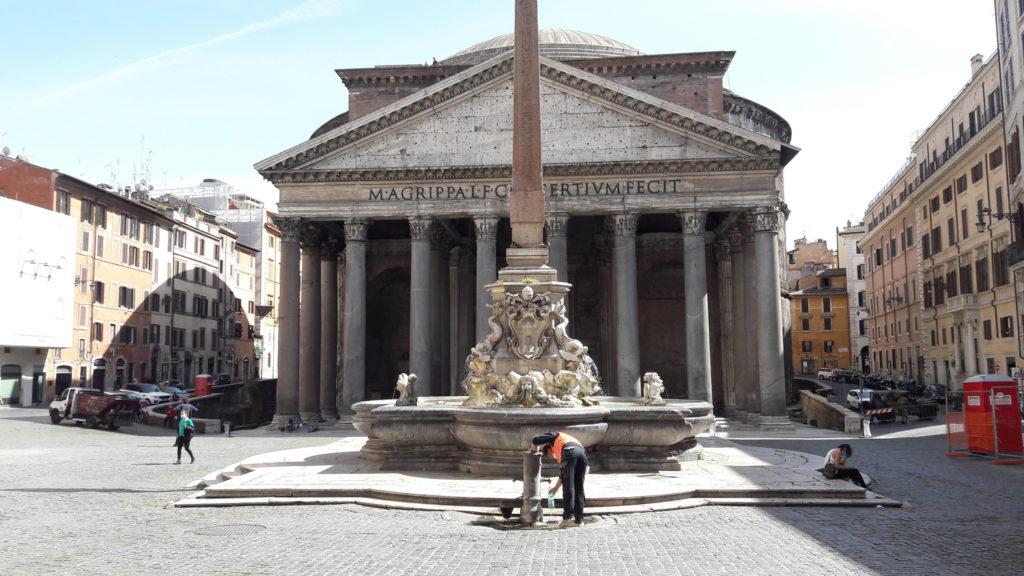 Piazza della Rotonda & The Pantheon during Covid-19 (phase 1)